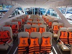 ที่นั่ง-เรือคาตามารัน-ทัวร์-เกาะรอก