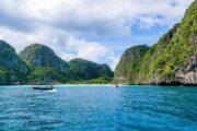 จุดถ่ายรูป-หน้าอ่าวมาหยา-เกาะพีพี-seastar