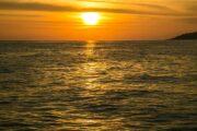 พระอาทิตย์ตก-ล่อง-เรือยอร์ช-คาตามารัน
